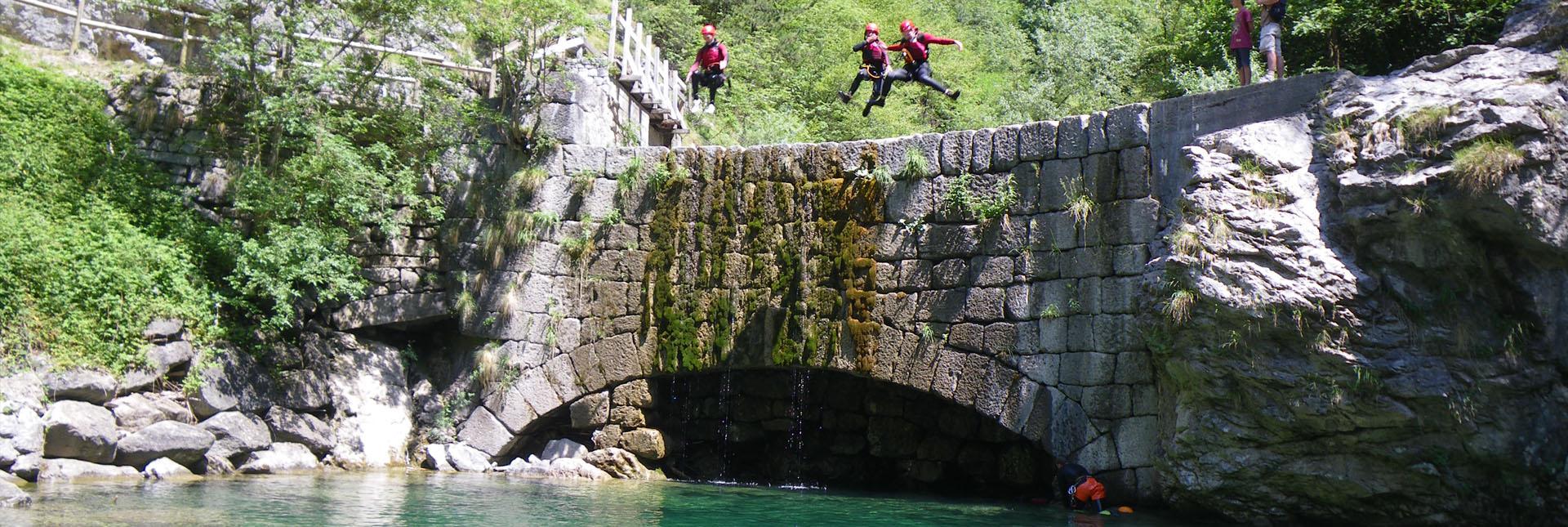 canyoning-trentino-sport-divertimento-dolomiti-lago-di-ledro-lago-di-garda-5